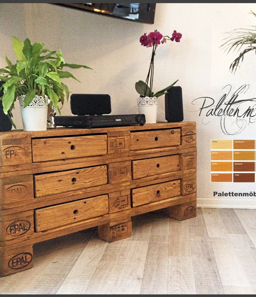 hifi palettensideboard mit schubladen in braun kommode aus palettenholz europaletten kaufen. Black Bedroom Furniture Sets. Home Design Ideas