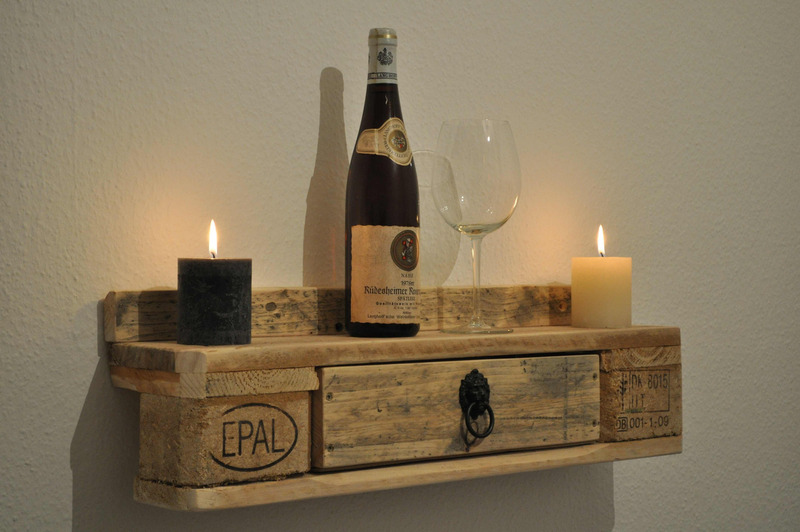 Regal no 3 aus paletten weinregal mit schubladen - Paletten wandregal ...